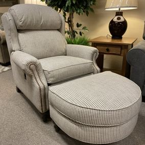 Smith Brothers - 932-47 & 40 Flex Back Chair & Ottoman