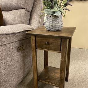 Fighting Creek - Amish - 412 Chairside Table