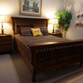 Daniels Amish - Lewiston Collection - Bed & Nightstands
