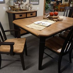 Amish - Hamlin Dining Table & Lexington Chairs