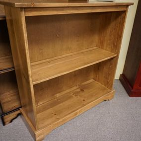Fighting Creek - Amish - Bookcase