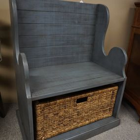 Sunny Designs - Hall Bench with Wicker Basket